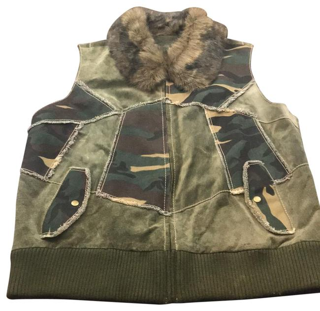Preload https://img-static.tradesy.com/item/26230455/wilsons-leather-green-maxima-faux-fur-vest-size-16-xl-plus-0x-0-1-650-650.jpg
