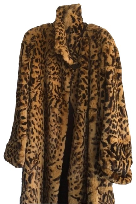 Item - Carmel and Black and Brown Leopard Rabbit Dyed Coat Size 8 (M)