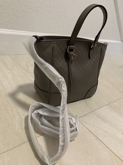 Gucci Guccissima Crossbody Monogram Shopping Tote in Grey Image 3