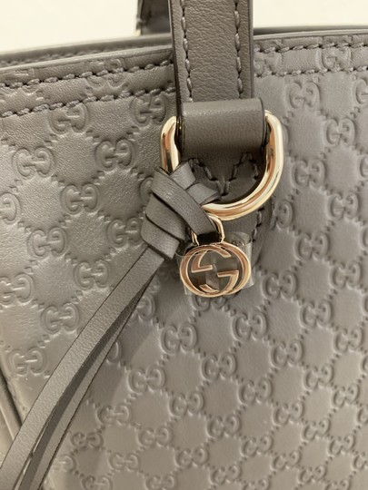 Gucci Guccissima Crossbody Monogram Shopping Tote in Grey Image 9