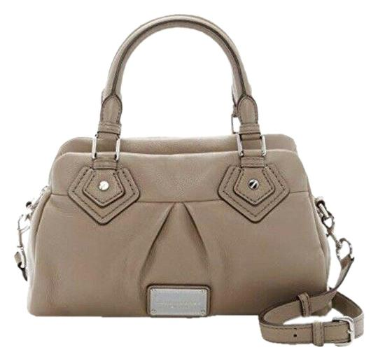 Preload https://img-static.tradesy.com/item/26232775/marc-by-marc-jacobs-small-groovee-cement-leather-satchel-0-1-540-540.jpg