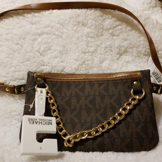 Michael Kors Wristlet in Brown with mk Image 2