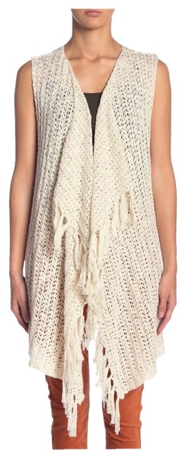 Preload https://img-static.tradesy.com/item/26232778/cupcakes-and-cashmere-knit-fringed-vest-cream-sweater-0-1-650-650.jpg