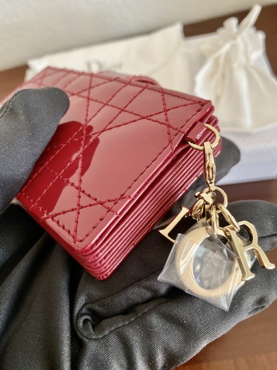 Dior BRAND NEW Lady Dior Card Holder with 5 pockets in Red Patent Leather Image 2