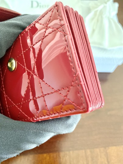 Dior BRAND NEW Lady Dior Card Holder with 5 pockets in Red Patent Leather Image 5