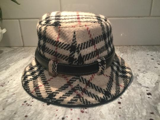 Burberry Chic and Stylish 100% Wool Belted Black Fedora Image 1