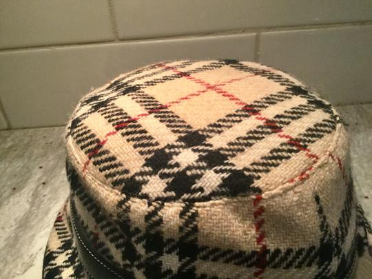 Burberry Chic and Stylish 100% Wool Belted Black Fedora Image 4