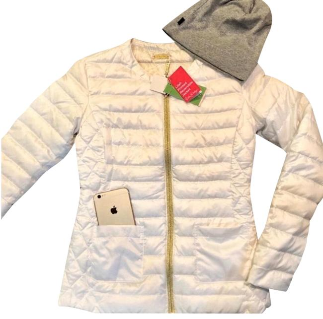Preload https://img-static.tradesy.com/item/26232845/lilly-pulitzer-cameo-white-printed-reversible-lilah-puffer-coat-size-00-xxs-0-1-650-650.jpg
