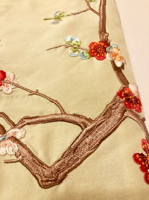 Shanghai Tang Flowers Silk Embroidery Mini Skirt Creamy White Image 5