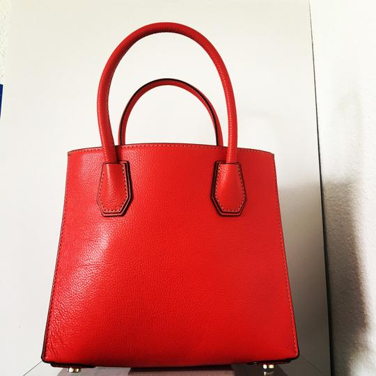 Michael Kors Tote in Ruby Red Image 7