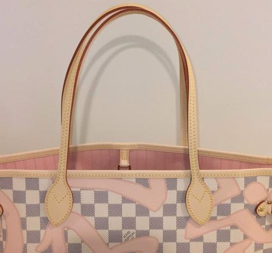 Louis Vuitton Neverfull Tahitienne Rose Ballerine Mm Tote in Multicolor Image 2