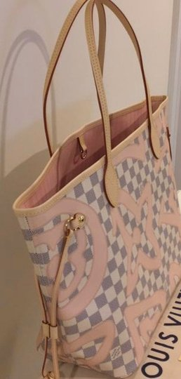 Louis Vuitton Neverfull Tahitienne Rose Ballerine Mm Tote in Multicolor Image 3