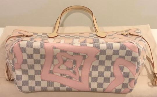 Louis Vuitton Neverfull Tahitienne Rose Ballerine Mm Tote in Multicolor Image 4