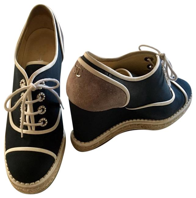 Item - Navy and Cream 16c G31555 Lace Up Pearls Crepe/Calfskin/Suede Espadrille Wedges Pumps Size EU 37.5 (Approx. US 7.5) Regular (M, B)