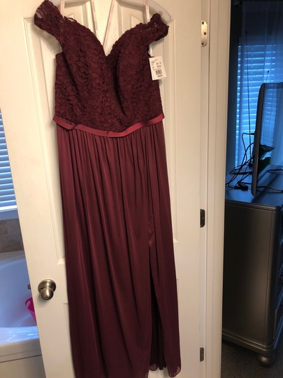 David's Bridal Wine Lace 2019 Season / Off The Shoulder - Tags Attached Formal Bridesmaid/Mob Dress Size 14 (L) Image 4
