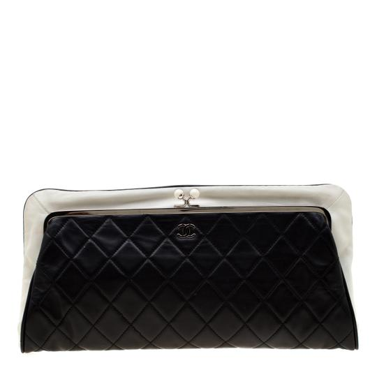 Preload https://img-static.tradesy.com/item/26241919/chanel-blackwhite-quilted-fold-over-black-leather-clutch-0-0-540-540.jpg