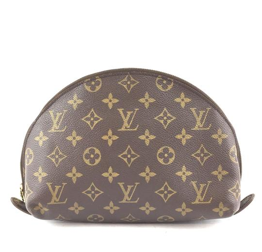 Preload https://img-static.tradesy.com/item/26241926/louis-vuitton-33448-gm-vanity-cosmetic-evening-beauty-pouch-brown-monogram-canvas-clutch-0-0-540-540.jpg