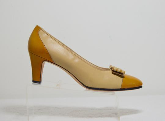 Salvatore Ferragamo Bow Italian Made. All Leather Mustard yellow Pumps Image 1