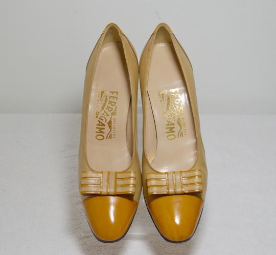Salvatore Ferragamo Bow Italian Made. All Leather Mustard yellow Pumps Image 2