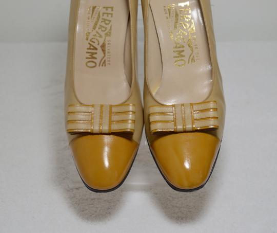 Salvatore Ferragamo Bow Italian Made. All Leather Mustard yellow Pumps Image 3