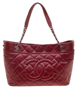 Chanel Leather Canvas Quilted Chain Tote in Red