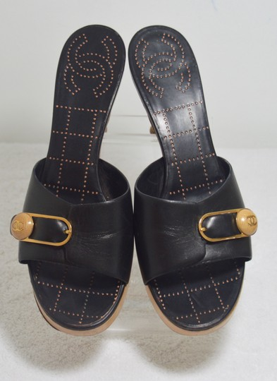 Chanel Classic Retro Chic Easy-to-wear Perforated Insole Made In Italy Logo Black Mules Image 5