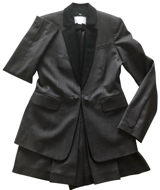 Preload https://img-static.tradesy.com/item/26242318/alexander-wang-grey-and-black-ca00985-shorts-suit-size-6-s-0-1-650-650.jpg