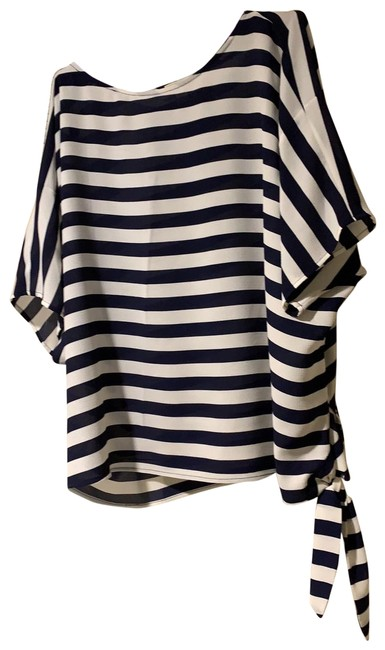 Item - Rn 111818 Navy and White Top