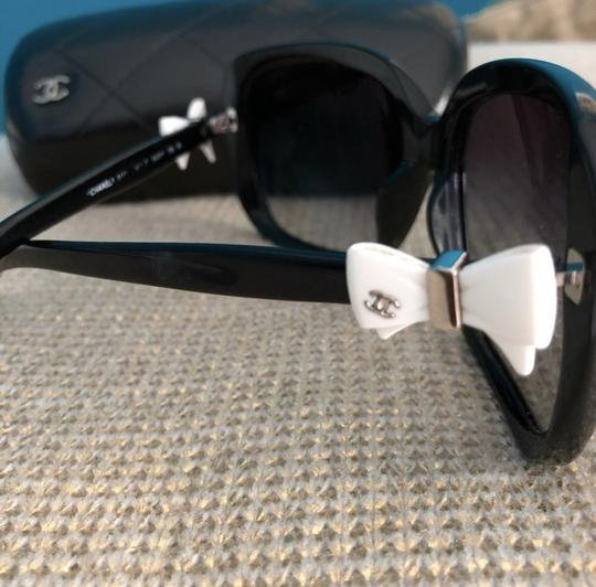Chanel Chanel bow tie logo black sunglasses, limited edition Image 2