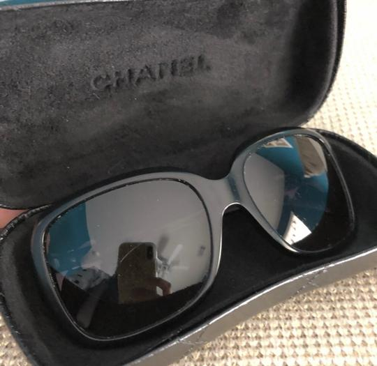 Chanel Chanel bow tie logo black sunglasses, limited edition Image 3