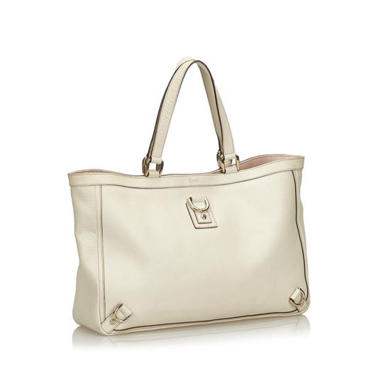 Preload https://img-static.tradesy.com/item/26250079/gucci-abbey-others-d-ring-italy-white-leather-tote-0-0-540-540.jpg