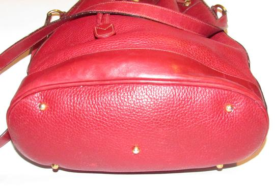Gucci Drawstring Top Shoulder/Cross Body Xl Bucket Pebbled/Smooth Lther Tom Ford Era Satchel in true red/gold accents Image 11