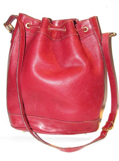 Gucci Drawstring Top Shoulder/Cross Body Xl Bucket Pebbled/Smooth Lther Tom Ford Era Satchel in true red/gold accents Image 2