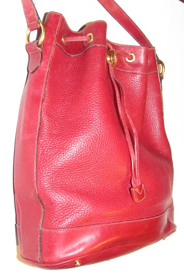 Gucci Drawstring Top Shoulder/Cross Body Xl Bucket Pebbled/Smooth Lther Tom Ford Era Satchel in true red/gold accents Image 6