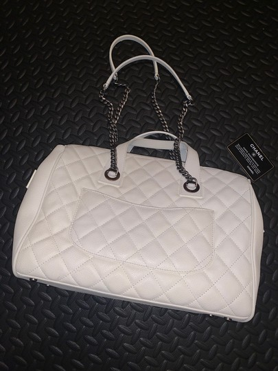 Chanel Satchel in white Image 3