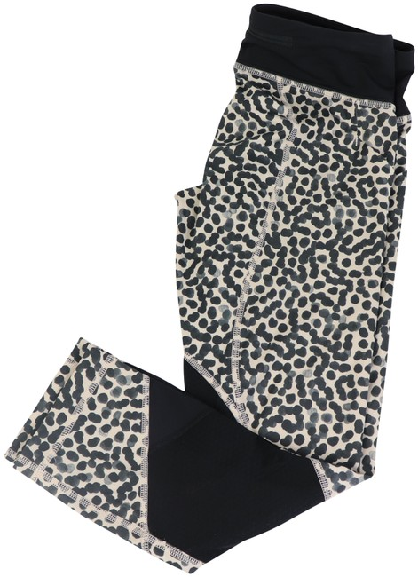 Preload https://img-static.tradesy.com/item/26250667/lululemon-leopard-activewear-bottoms-size-4-s-27-0-1-650-650.jpg