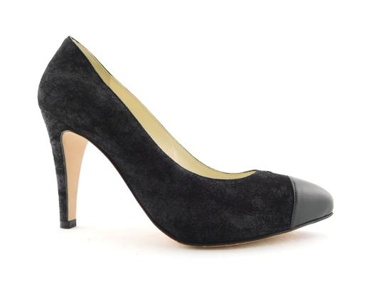 Chanel Cc Logo Coco Pigalle Pointed Romy Textured Black Pumps Image 2