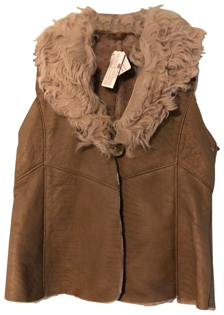 Preload https://img-static.tradesy.com/item/26251916/brown-new-toscana-shearling-fur-made-in-england-vest-size-8-m-0-1-650-650.jpg