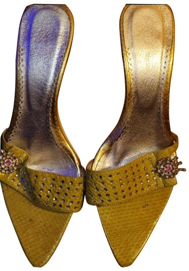Preload https://img-static.tradesy.com/item/26252185/yellow-light-slide-with-rhinestones-at-heel-sandals-size-eu-41-approx-us-11-regular-m-b-0-1-540-540.jpg