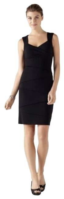 Item - Appropriately Knee Length Mid-length Cocktail Dress Size 2 (XS)
