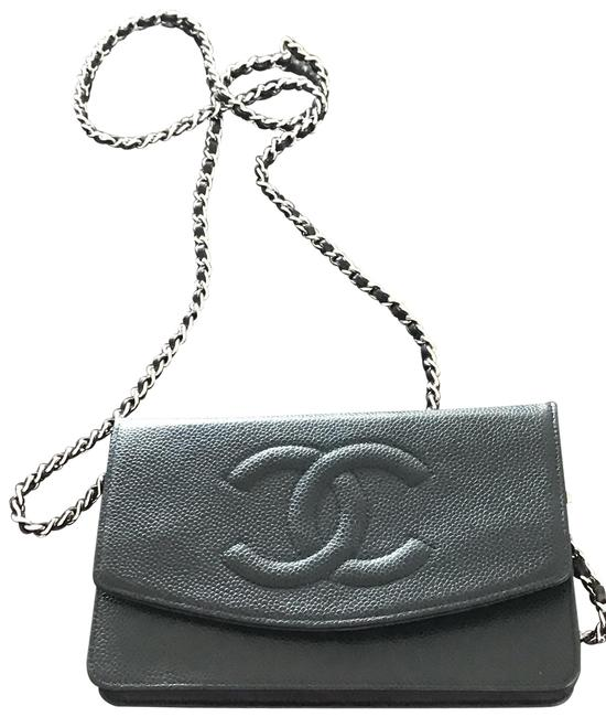 Item - Vintage Wallet On A Chain Black Caviar Leather Cross Body Bag
