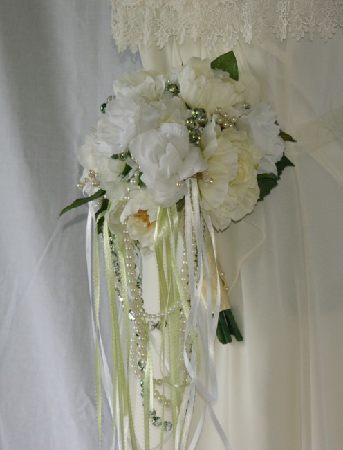 Ivory White Perfectly Peonies Silk Bouquet Ceremony Decoration Ivory White Perfectly Peonies Silk Bouquet Ceremony Decoration Image 1