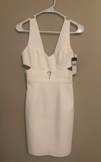 Item - White In Formal Bridesmaid/Mob Dress Size 2 (XS)