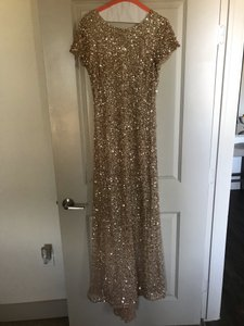 Adrianna Papell Champagne/Gold Scoop Back Sequin Gown Formal Bridesmaid/Mob Dress Size 8 (M)