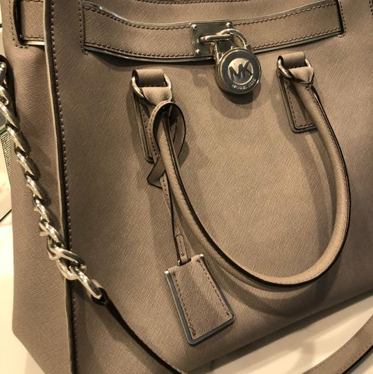 Michael Kors Tote in grey with silver trim Image 4