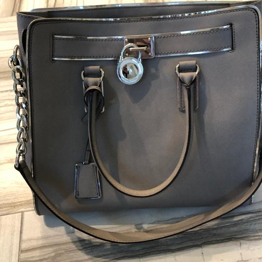 Michael Kors Tote in grey with silver trim Image 5
