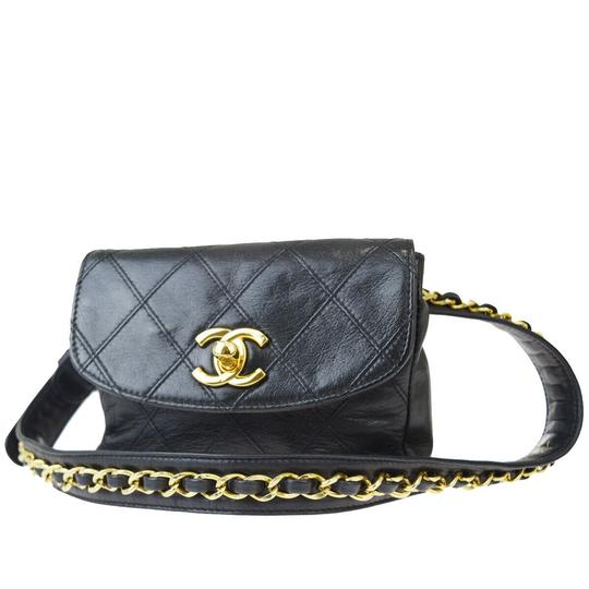 Preload https://img-static.tradesy.com/item/26262918/chanel-bum-gold-chain-mini-black-quilted-leather-cross-body-bag-0-3-540-540.jpg