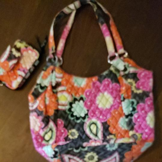 Preload https://item3.tradesy.com/images/vera-bradley-never-used-purse-cell-phone-wallet-bought-them-as-gifts-forgot-about-them-orange-and-pi-26262937-0-0.jpg?width=440&height=440