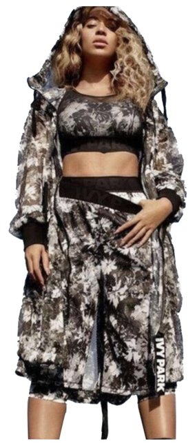 Preload https://img-static.tradesy.com/item/26263164/ivy-park-black-and-white-floral-mesh-basketball-activewear-bottoms-size-8-m-29-30-0-1-650-650.jpg