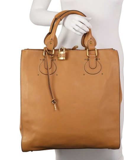 Chloé Tote in Brown Image 11